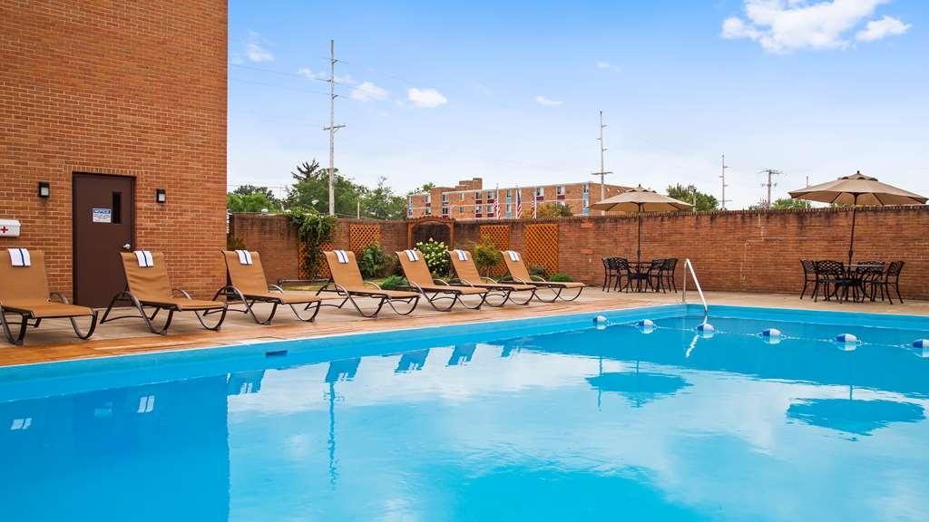 Best Western Wooster Hotel - Vue de la piscine