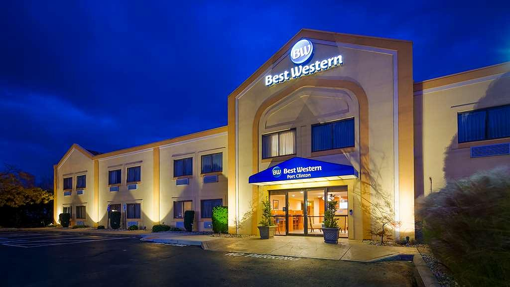 Best Western Port Clinton - Exterior at night with new bright LED lighting
