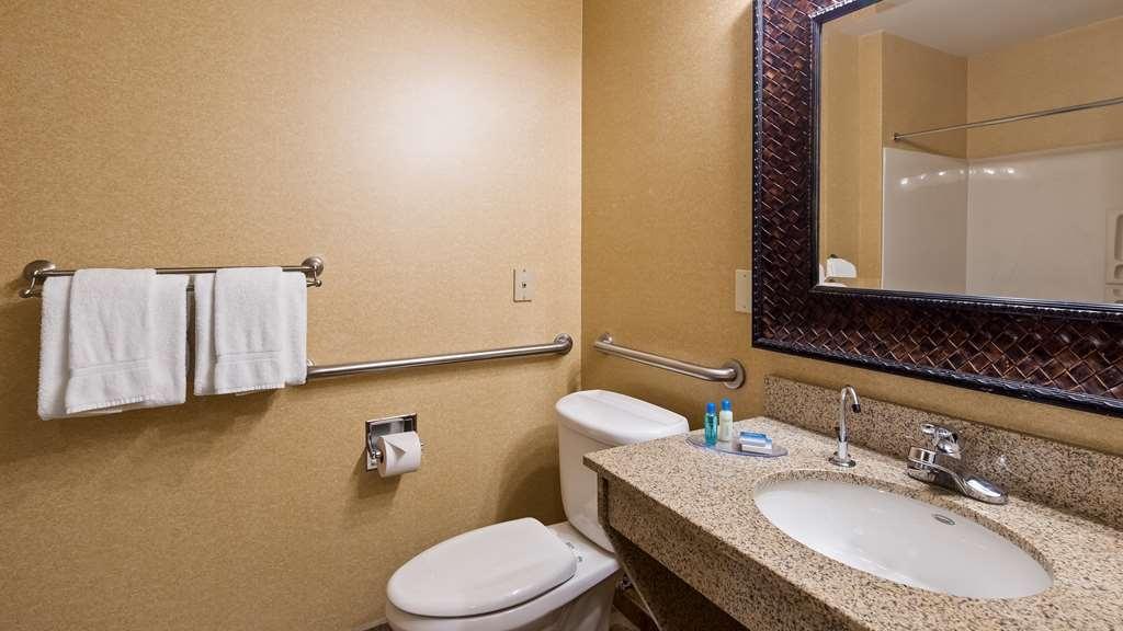 Best Western Plus North Canton Inn & Suites - Gästezimmer/ Unterkünfte