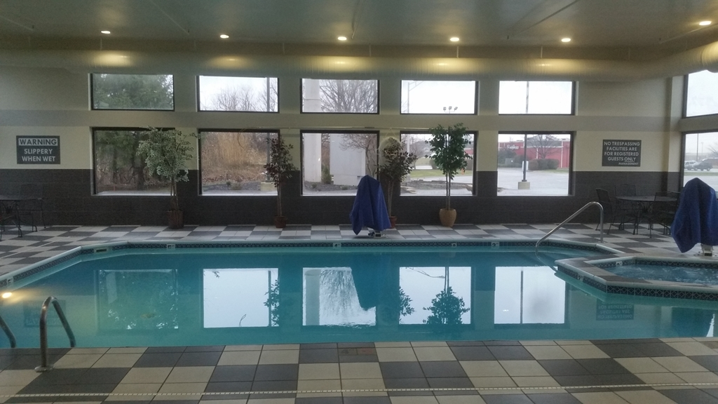 Best Western Suites - Poolansicht