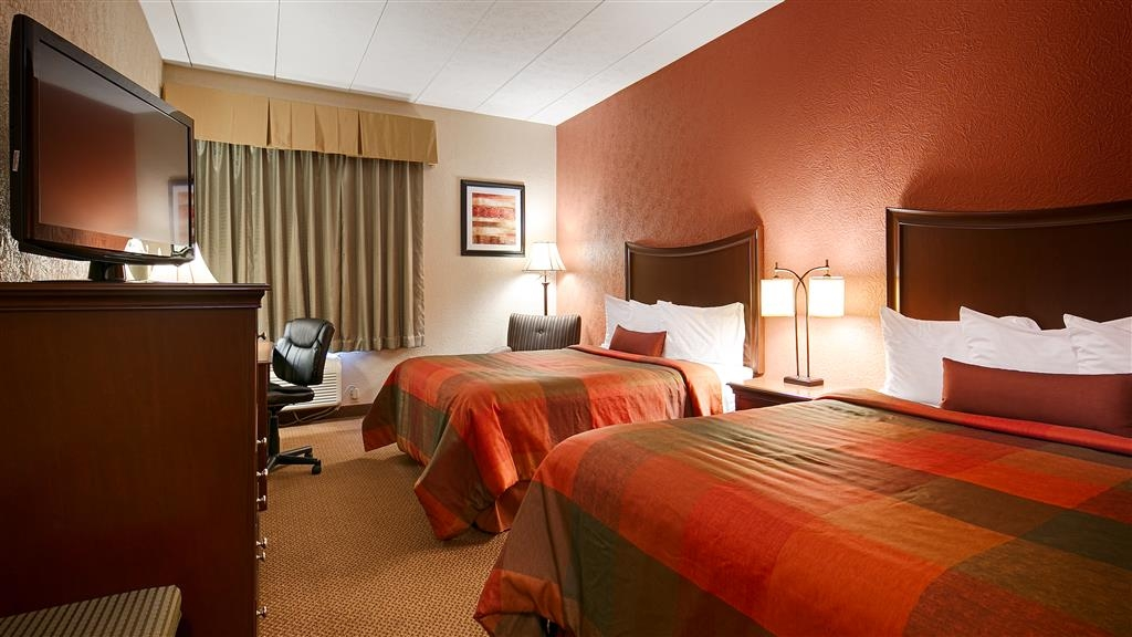 Best Western Caldwell Inn - Bring your whole family along and book a double queen guest room.