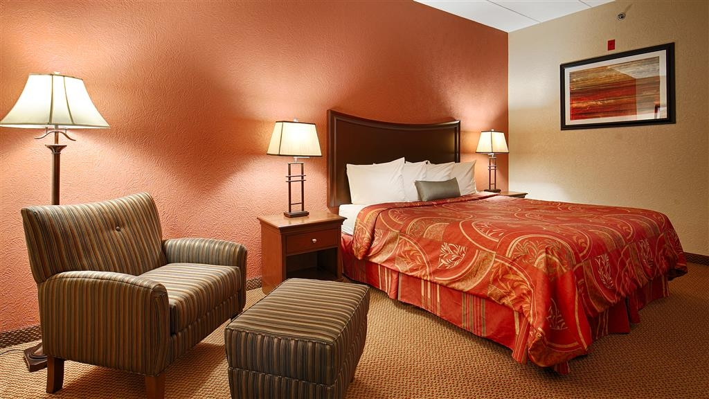 Best Western Caldwell Inn - Relax after a long day of travel in our king guest room.