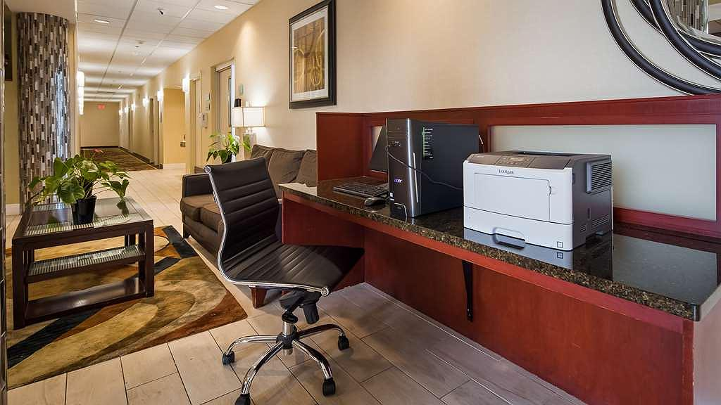 Hotel a Cleveland | Best Western Airport Inn & Suites Cleveland