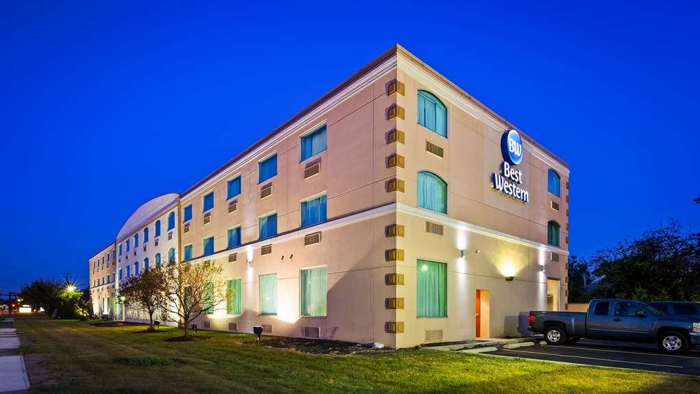 Best Western Airport Inn & Suites Cleveland - Best Western Airport Inn & Suites Cleveland