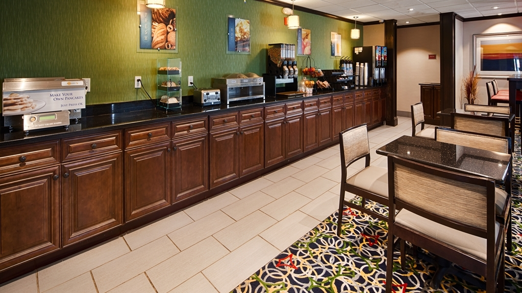 Best Western Inn - Enjoy a balanced and delicious breakfast with choices for everyone.