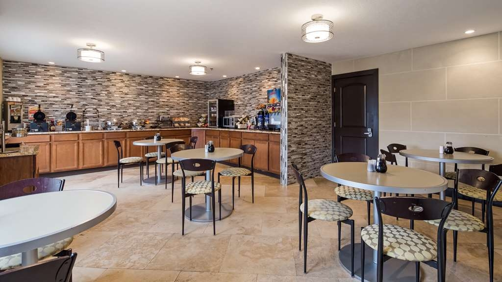 Best Western Norwalk - Breakfast Area