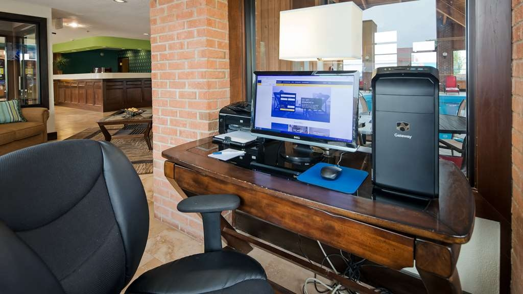 Best Western Norwalk - Business Center