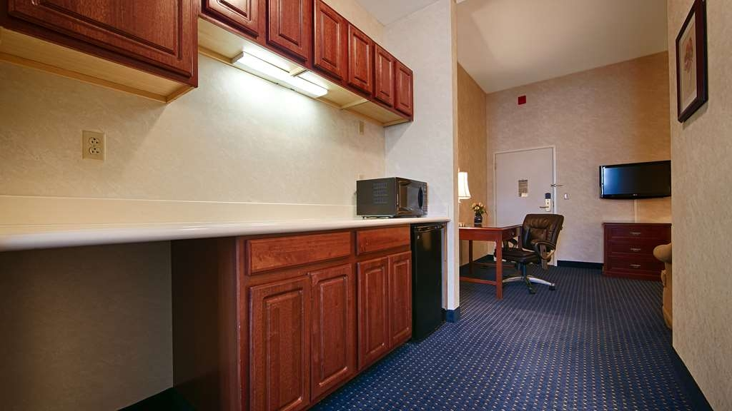 Best Western Plus Lawnfield Inn & Suites - Suite