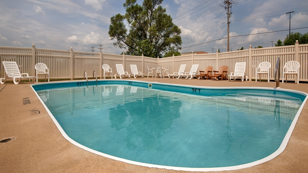 Best Western Adena Inn - Take a refreshing dip or swim some laps in our outdoor pool.
