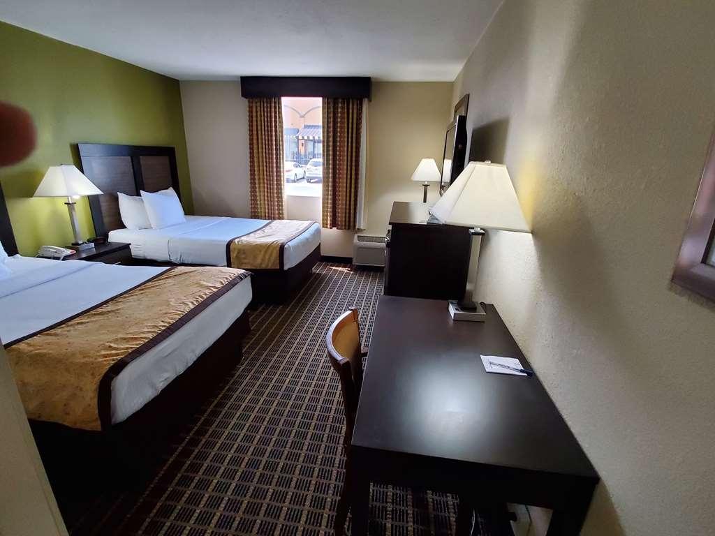 Best Western Adena Inn - room