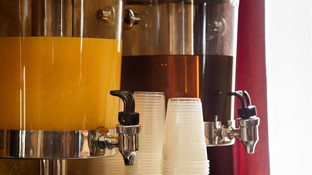 Best Western Penn-Ohio Inn & Suites - Le petit déjeuner buffet