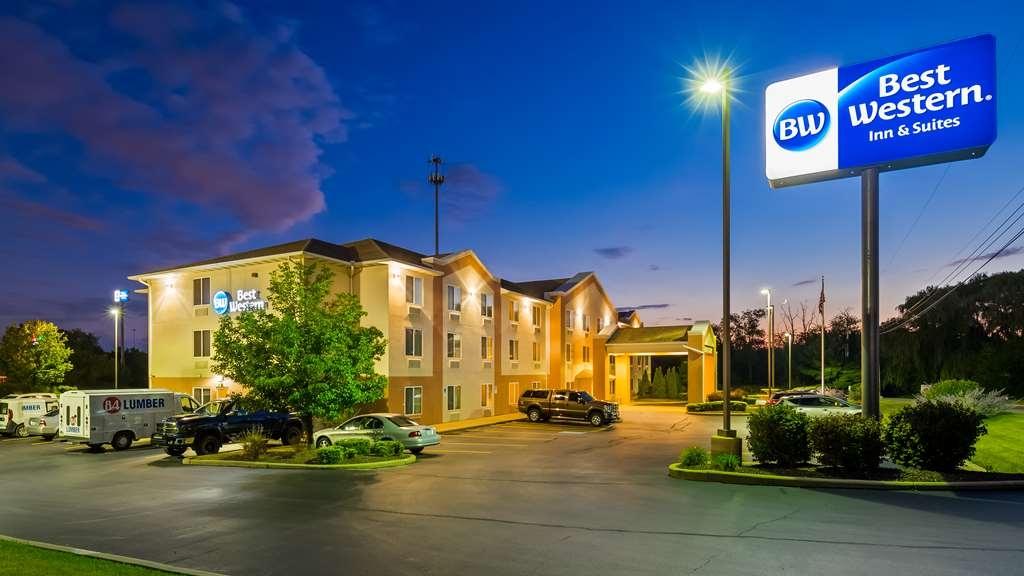 Best Western Penn-Ohio Inn & Suites - Facciata dell'albergo