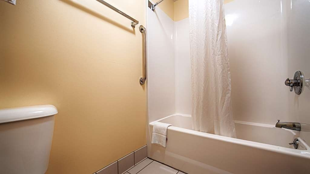 Best Western B. R. Guest - Enjoy getting ready for a day of adventure in this fully equipped guest bathroom.
