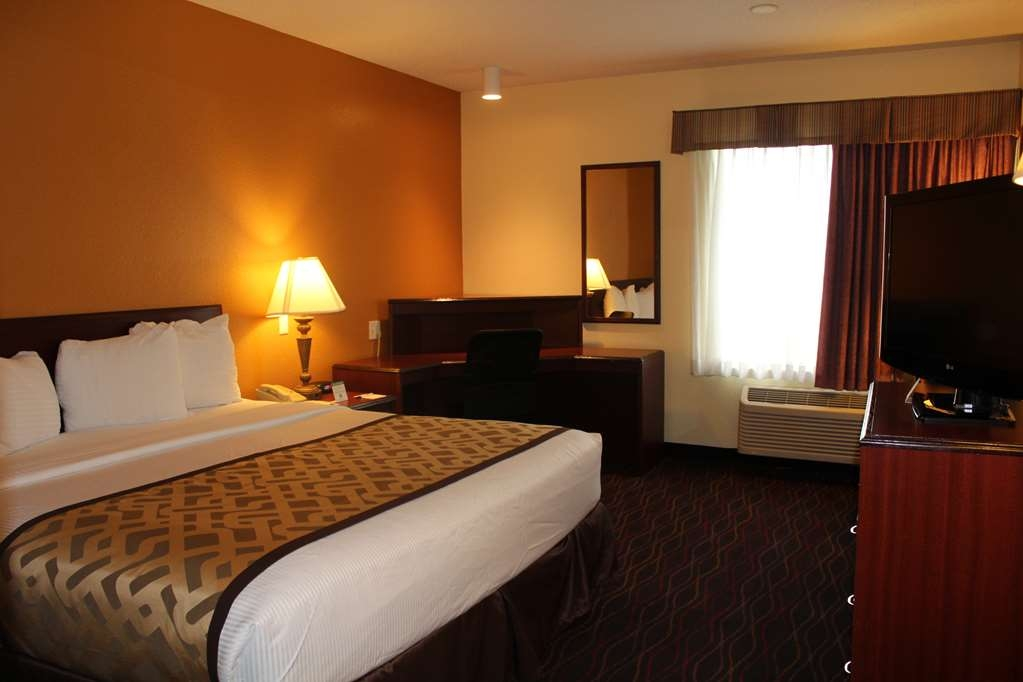 Best Western B. R. Guest - Sleep the night away in our king guest room.