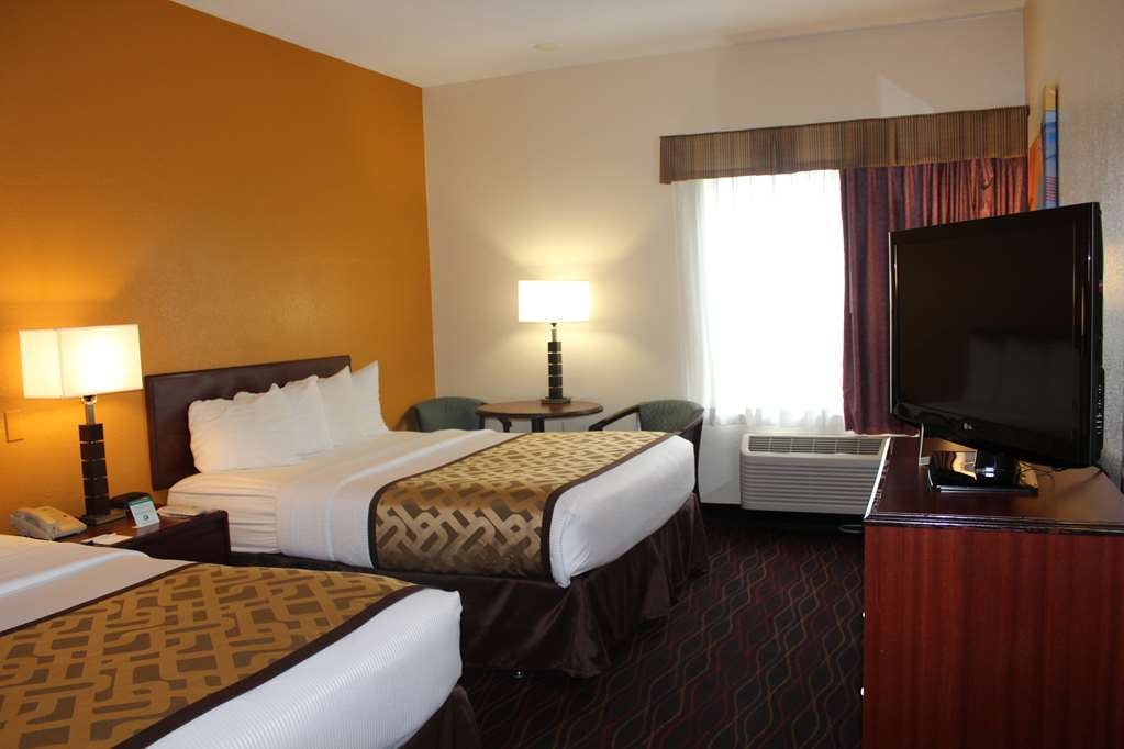 Best Western B. R. Guest - Bring your whole family along and book a 2 queen guest room.
