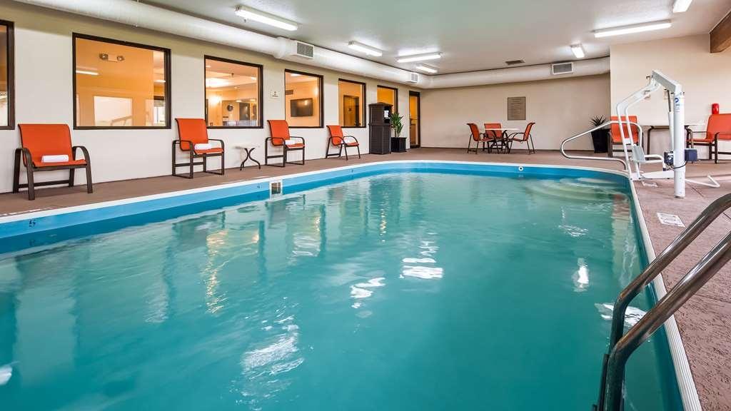 Best Western B. R. Guest - Vista de la piscina