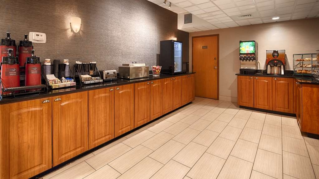 Best Western Plus Dayton Northwest - Enjoy a balanced and delicious breakfast with choices for everyone.