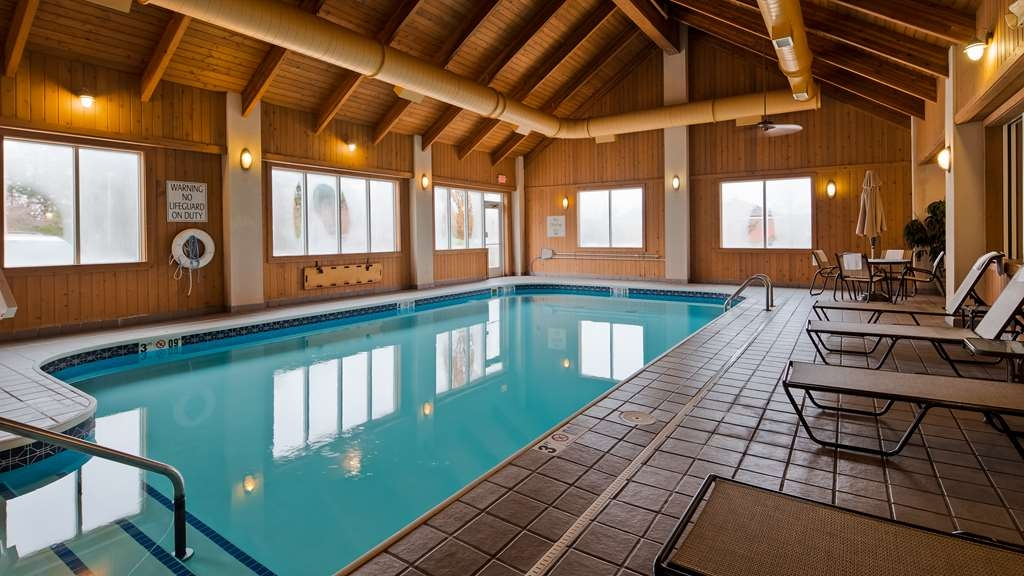 Best Western Port Columbus - The indoor pool is perfect for swimming laps or taking a quick dip.