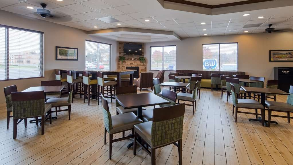 Best Western Port Columbus - Start each day with a complimentary full breakfast.