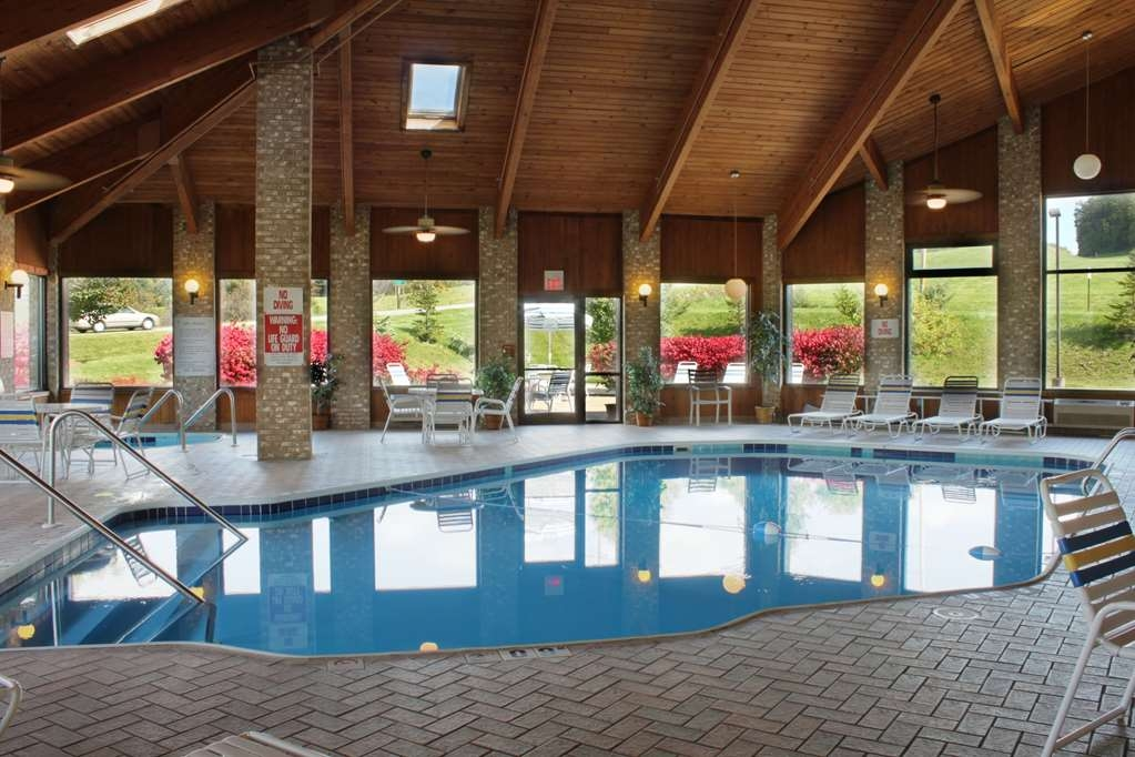 Best Western Richland Inn-Mansfield - Vue de la piscine