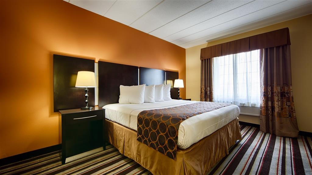 Best Western Mason Inn - Relax after a long day of travel in our king room.