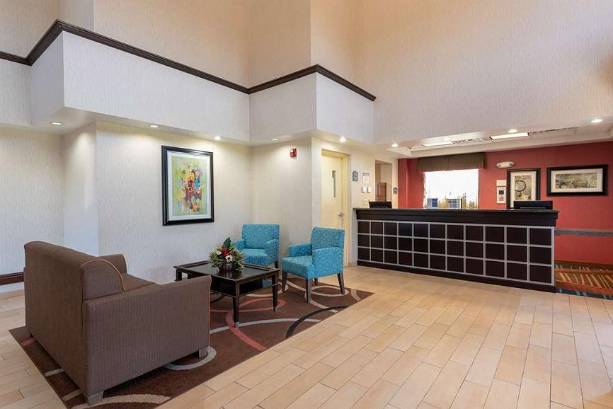 Fabulous Hotel In New Philadelphia Best Western Dutch Valley Inn Dailytribune Chair Design For Home Dailytribuneorg