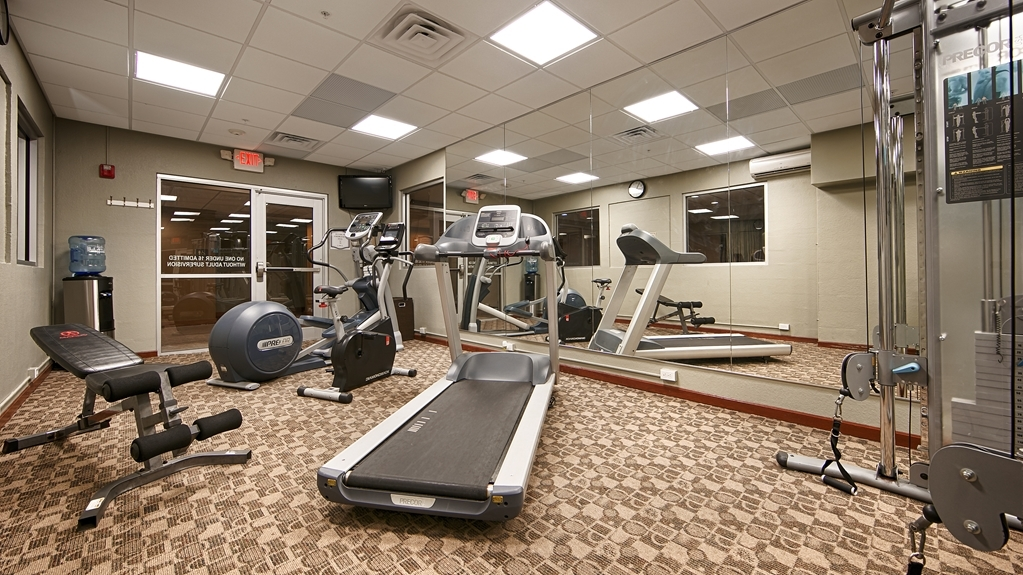 Best Western Plus Sandusky Hotel & Suites - Maintain your fitness routine during your stay with us in our fitness center.