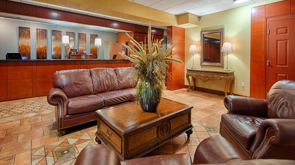 Best Western Plus Sandusky Hotel & Suites - We strive to exceed your every expectation starting from the moment you walk into our lobby.