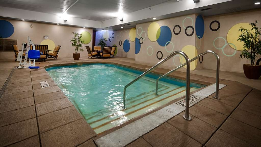 Best Western Plus Sandusky Hotel & Suites - Take a refreshing dip or swim some laps in our indoor therapy pool.