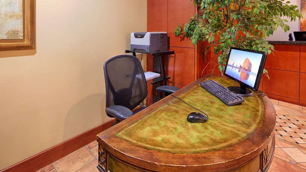 Best Western Plus Sandusky Hotel & Suites - Stay productive during your time away from home in our business center.