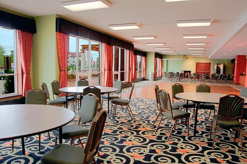 Best Western Plus Sandusky Hotel & Suites - Salón de baile
