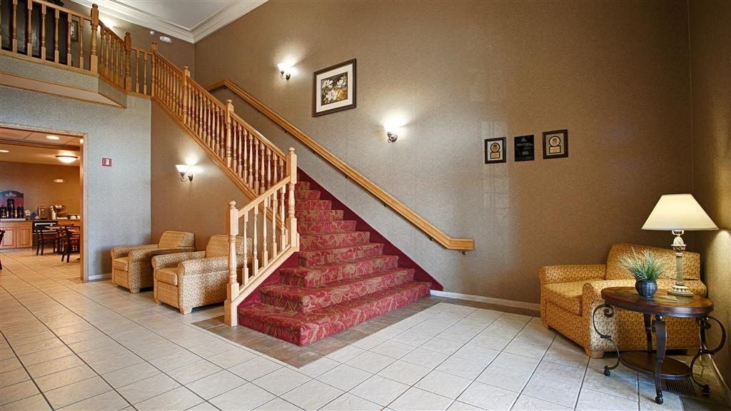 Best Western Wapakoneta Inn - Grand Staircase in Lobby