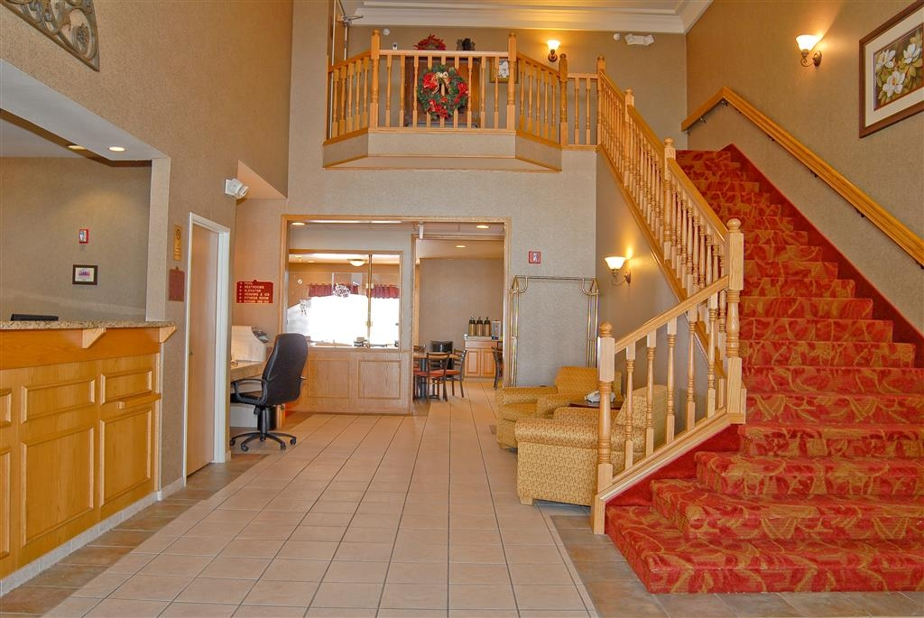 Best Western Wapakoneta Inn - Grand Staircase and Lobby