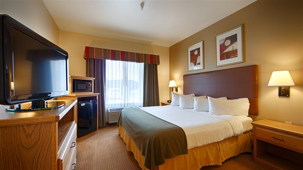 Best Western Wapakoneta Inn - King Guest Room