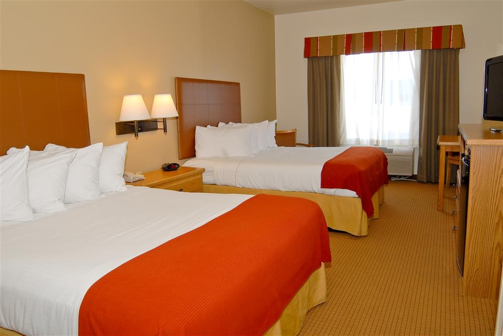 Best Western Wapakoneta Inn - Families and the business travelers alike will enjoy the comfortable two queen size beds.
