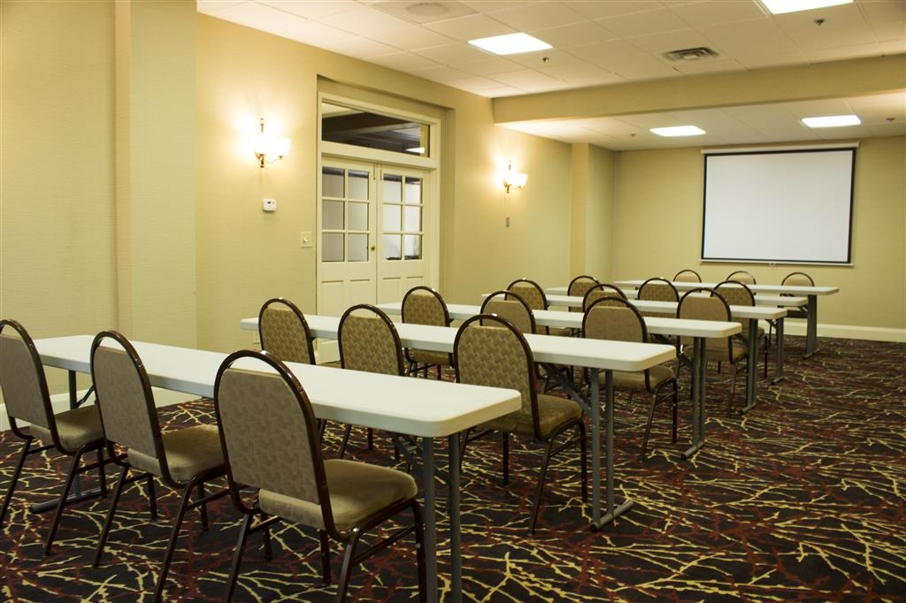 Best Western Park Hotel - Our meeting room is an excellent option for corporate and local business meetings.