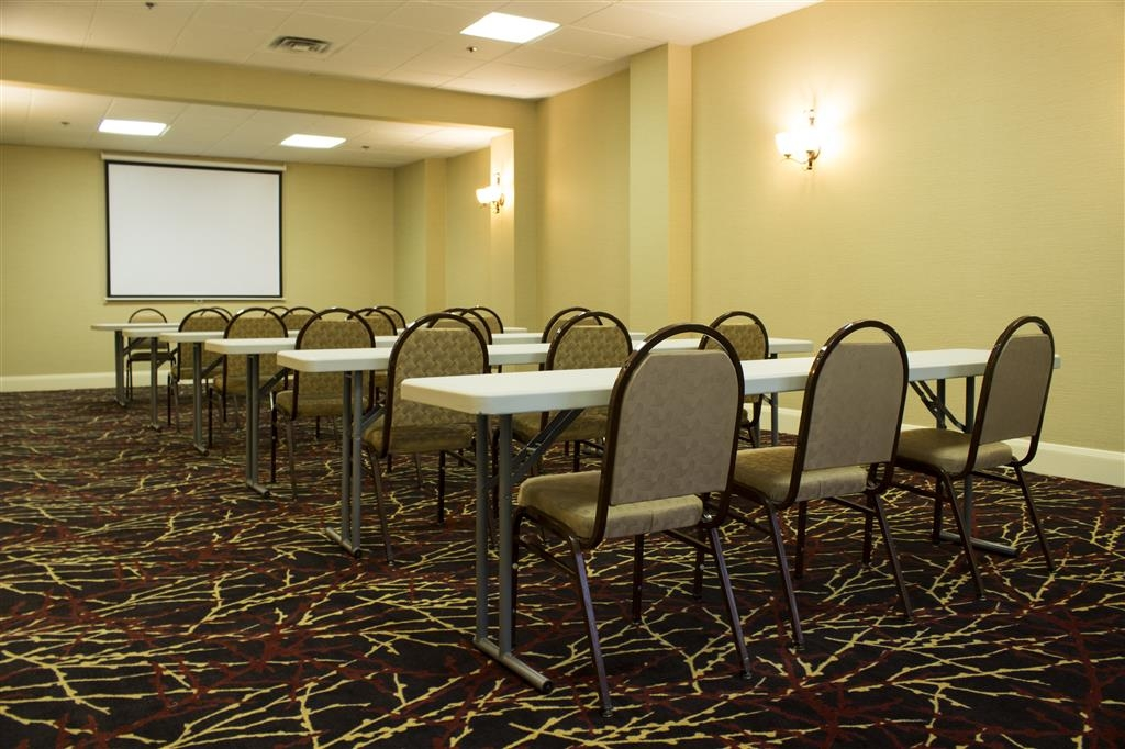 Best Western Park Hotel - Audio visual services and equipment are available by request for your next meeting or function.