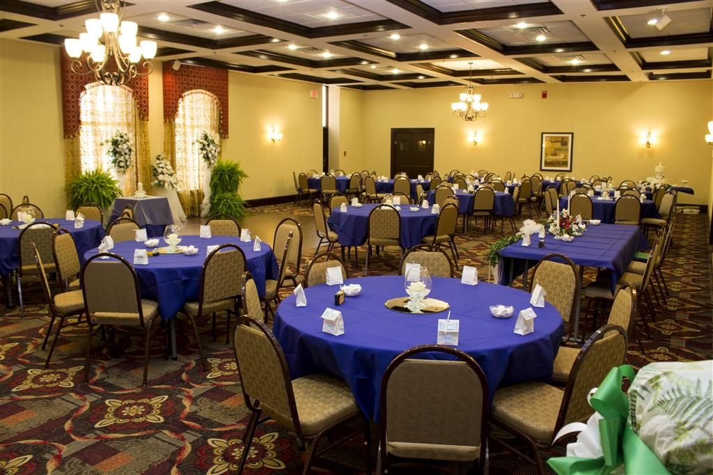 Best Western Park Hotel - Spacious, elegant and versatile, our Grand Ballroom is the perfect setting for your next corporate function or special occasion.