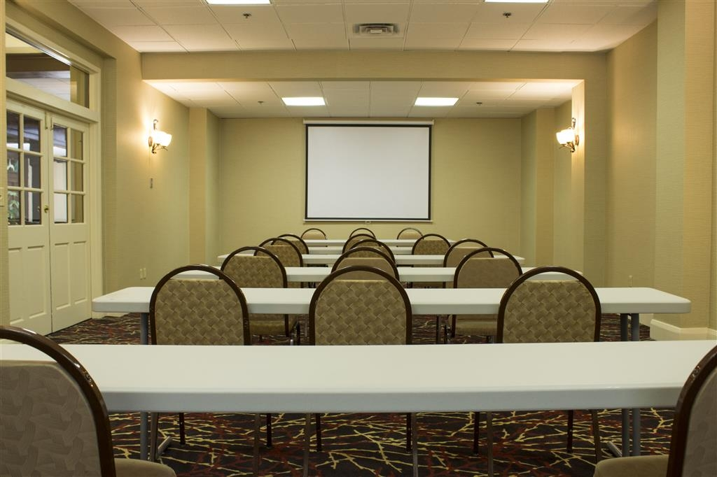Best Western Park Hotel - Our meeting room can accommodate 25 classroom style.