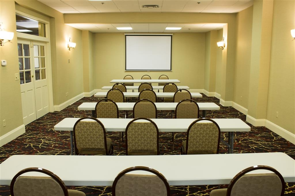 Best Western Park Hotel - We can provide 760 square feet of meeting space.