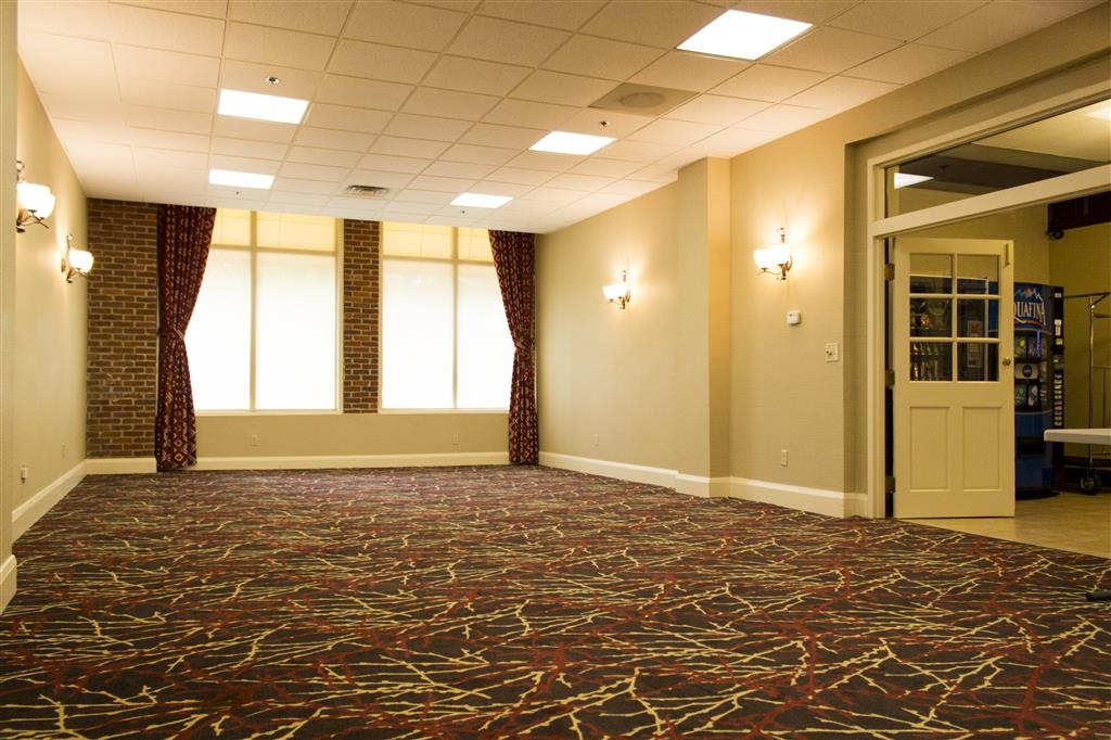 Best Western Park Hotel - We offer a stylish and contemporary design in our ballroom and meeting room.