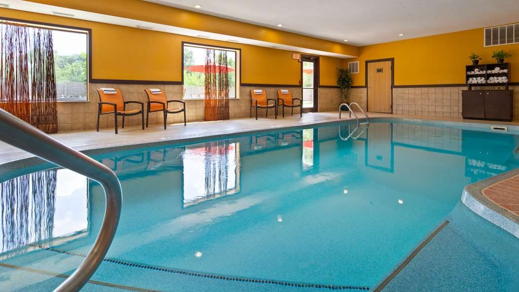Best Western Plus Whitewater Inn - Vue de la piscine