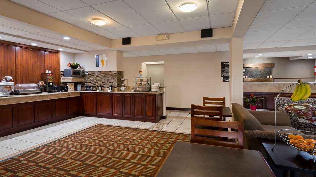 Best Western Monroe Inn - Rise and shine with a complimentary breakfast every morning.