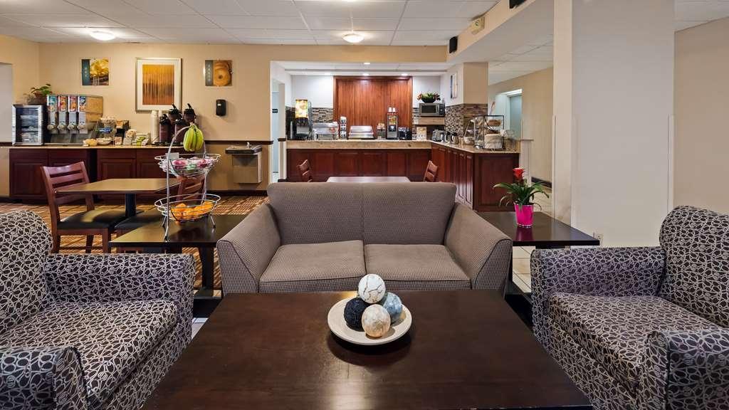 Best Western Monroe Inn - Lobby