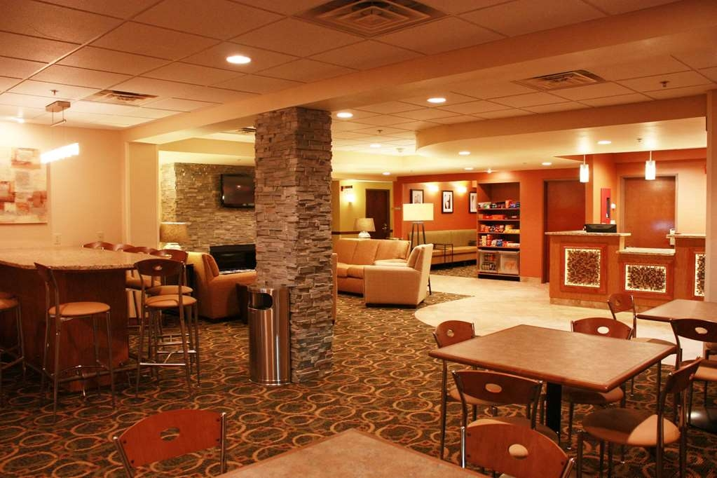 Best Western Plus West Akron Inn & Suites - Sit and relax for a while in our lobby.