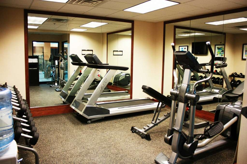 Best Western Plus West Akron Inn & Suites - Stay on your plan in our fitness center!