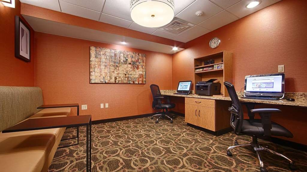 Best Western Plus West Akron Inn & Suites - Get to business, 24 hour business center available for you!