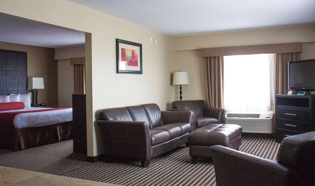 Best Western Plus West Akron Inn & Suites - Suite
