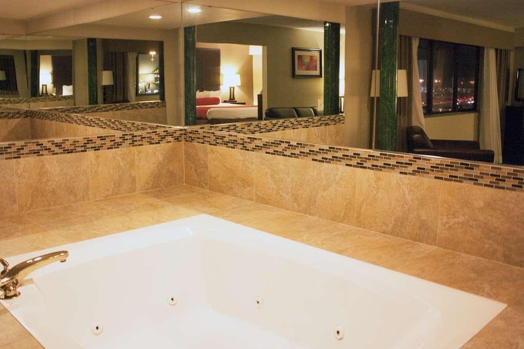 Best Western Plus West Akron Inn & Suites - habitación de huéspedes-amenidad