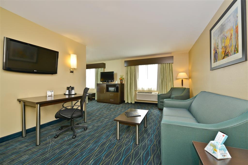 Best Western Plus University Inn - Suite
